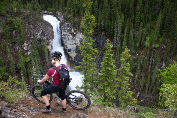 Valley of a Thousand Falls (climbing to Berg Lake)