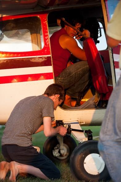 Anu & Nico setting up camera