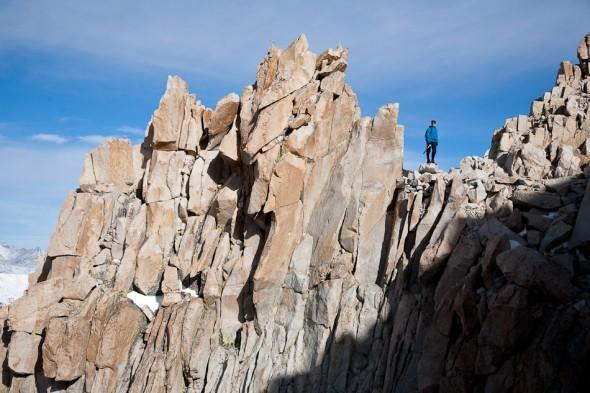 Heading along ridge trail to the summit.