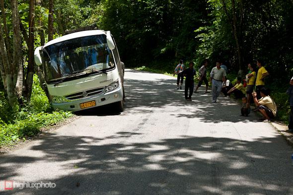 """""""road accident"""" bus"""