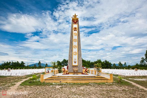north vietnamese war cemetery