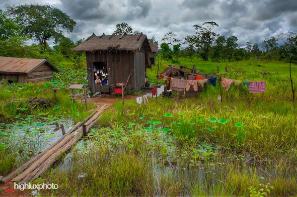 To the Thai border: Sra Aem – Choam, Highlux Photography