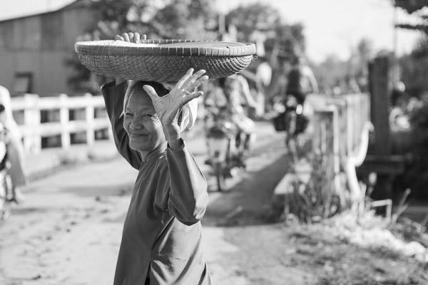Waving, Mekong Delta