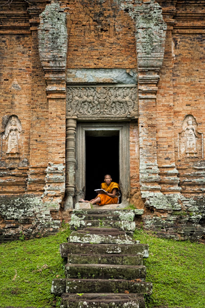 Monk at Bakong