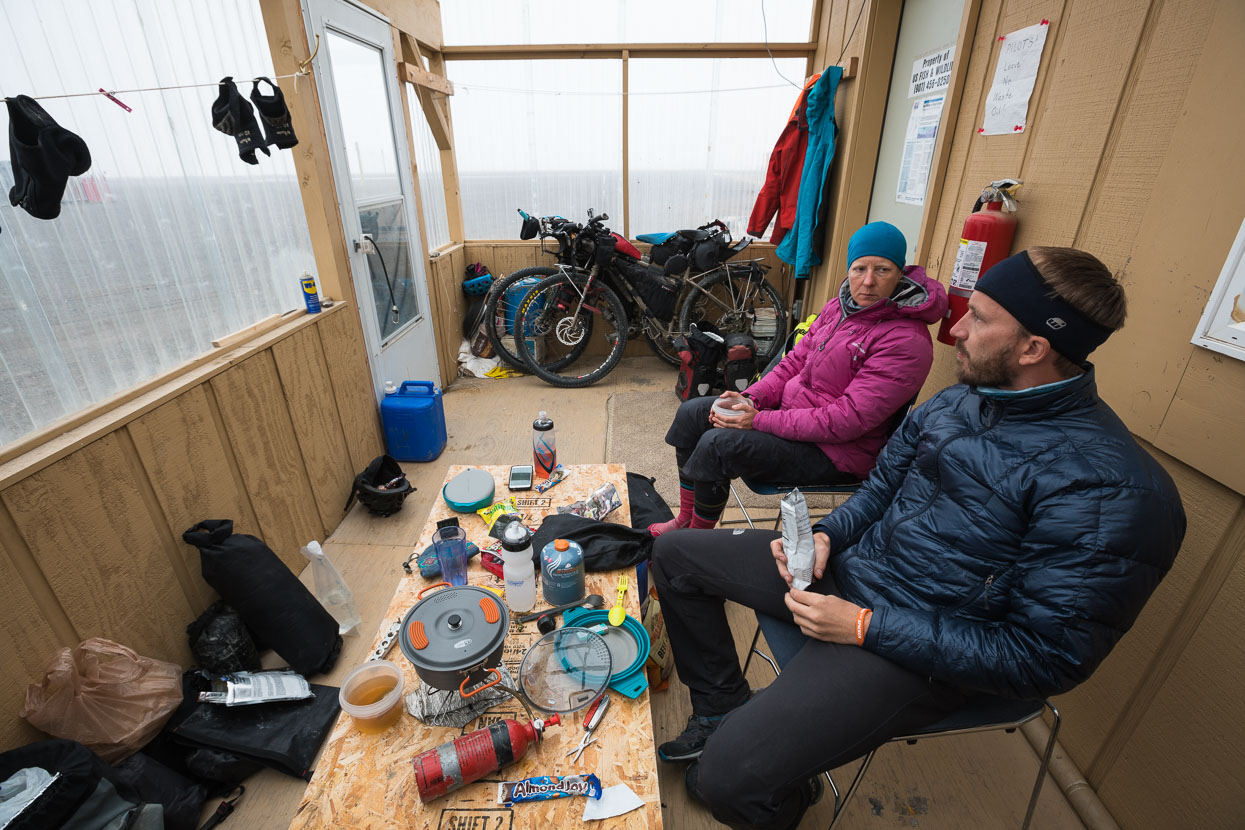 With a storm expected that night we decided to take refuge in a porch attached to the side of an unoccupied research hut. The wind did pick up and it snowed lightly all night, but not to the level expected.