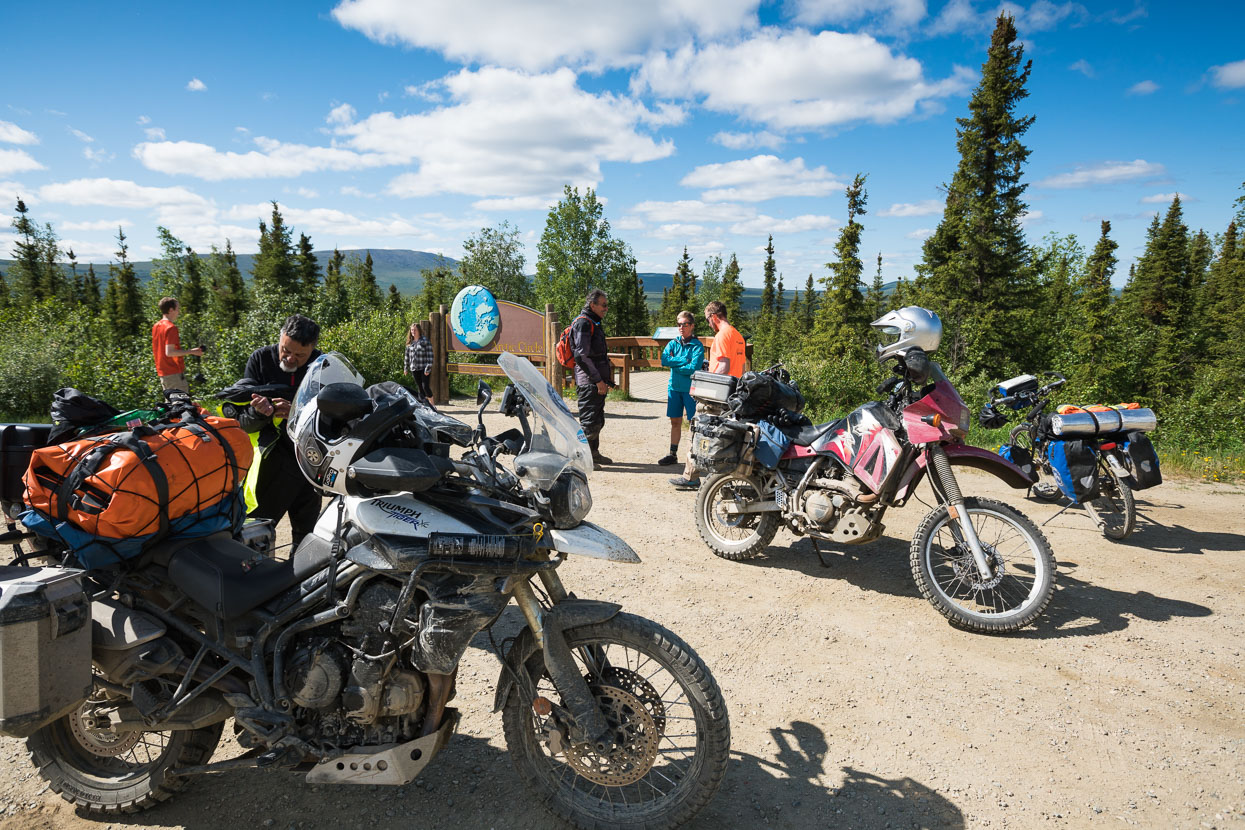Our crossing of the Arctic Circle turned into quite a social occasion; Hana met a man who grew up in Lyttelton, a couple of motorcyclists arrived - including Luis whom had ridden from his home in Ushuaia...