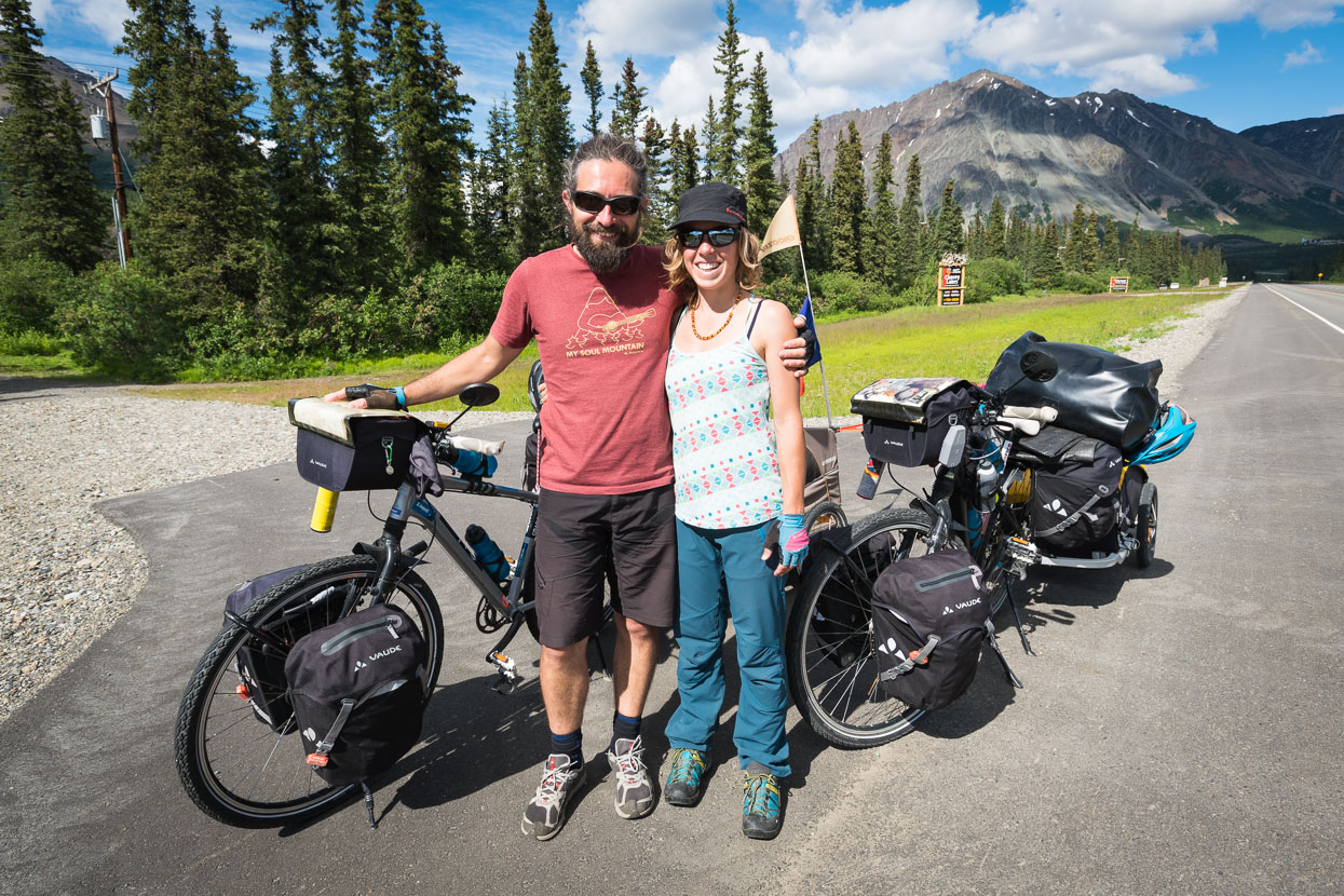 Near Cantwell we met this great French couple Mathieu and Julie https://www.facebook.com/lesrouesdelasolidarite. They're on the full Americas tour too, travelling with trailers and a dog, Reblochon.