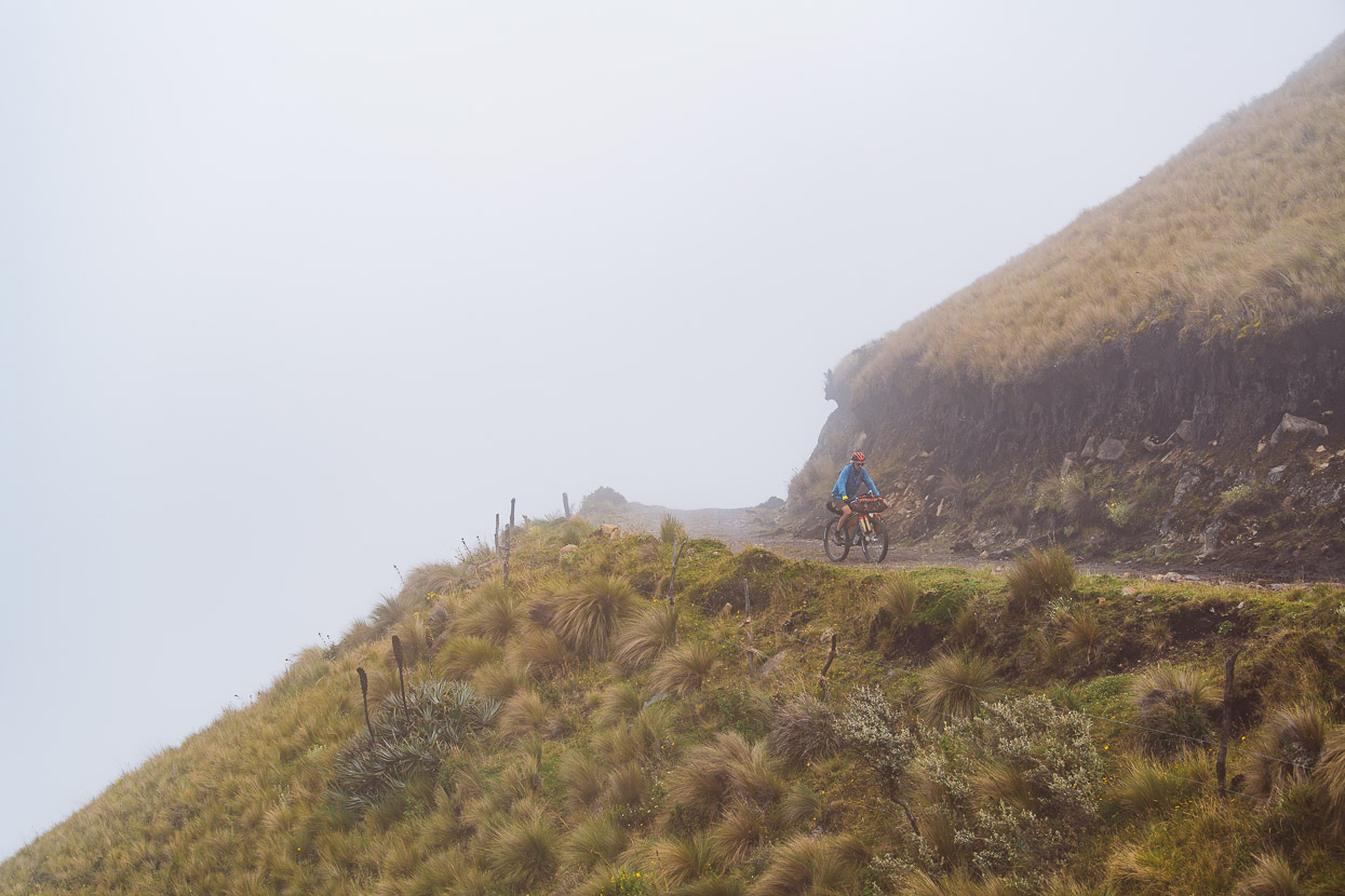 Ecuador: Lasso – Salinas, Highlux Photography