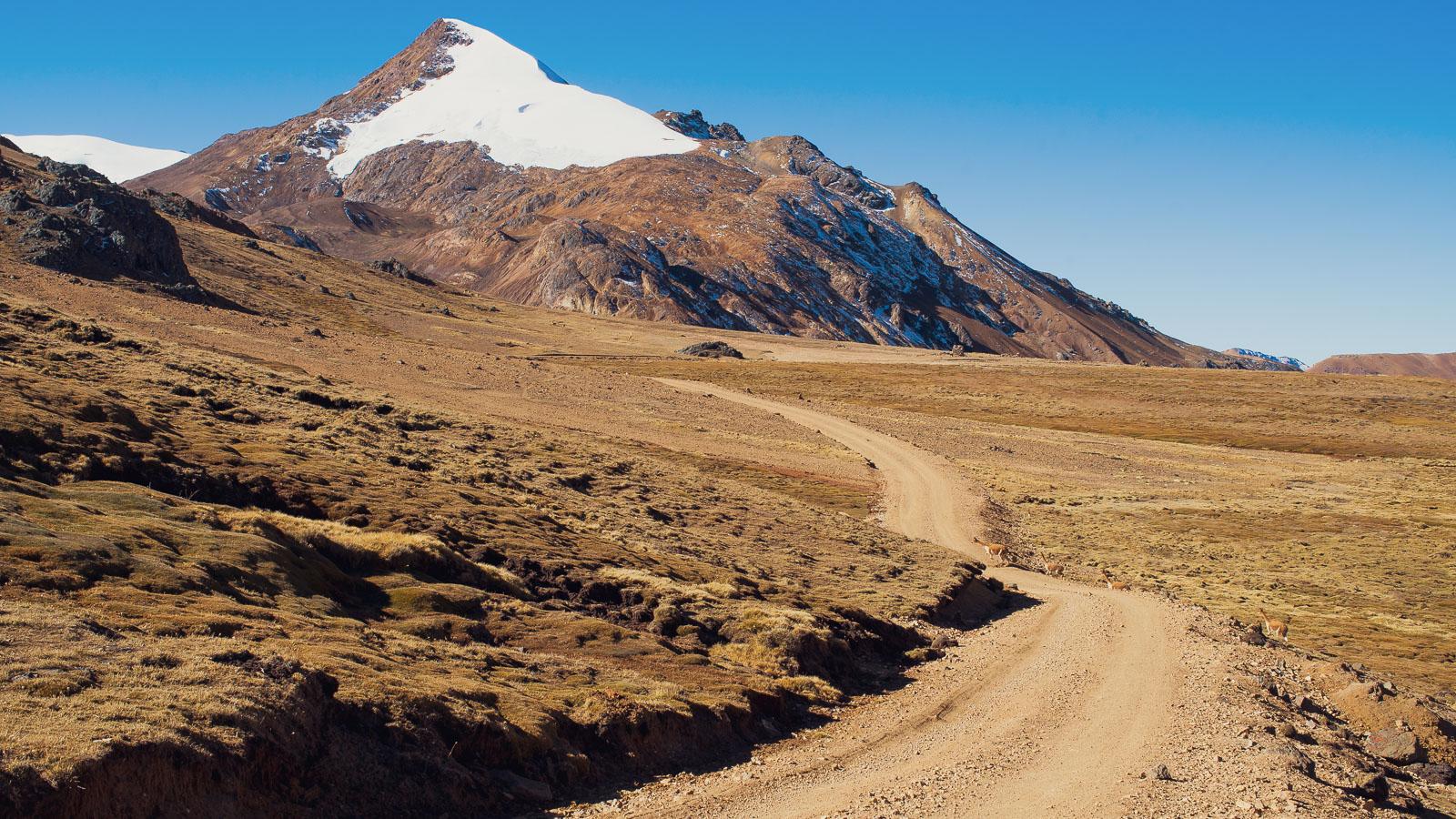 Perú: Ruta de las Tres Cordilleras – Chillca to Ananea