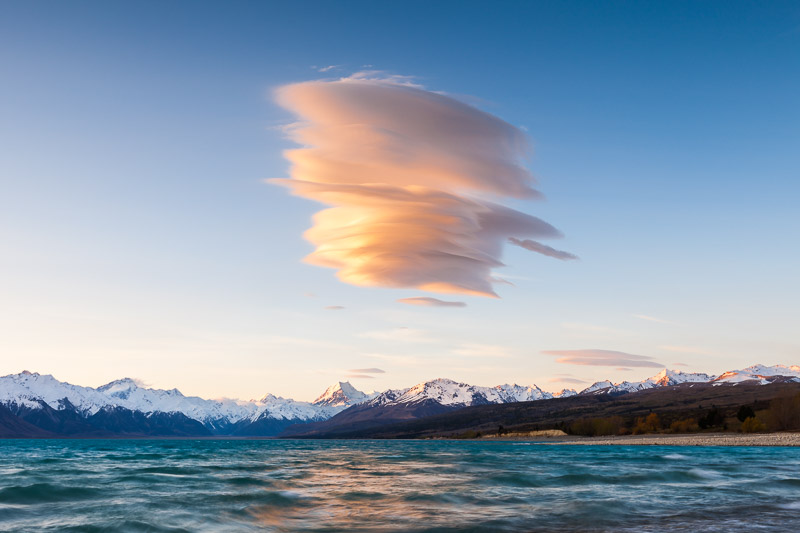 Lenticular cloud over Lake Pukaki and Aoraki Mount Cook